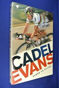 CADEL EVANS CLOSE TO FLYING Rob Arnold BOOK Cycling Tour de France