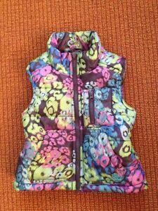 Girls-P-S-Aeropostale-Blue-Purple-Green-Flowers-Puffer-Vest-Size-4-5