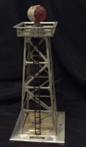 1940's - Lionel - #394 Silver Beacon Tower with Original Top Exc. train O scale