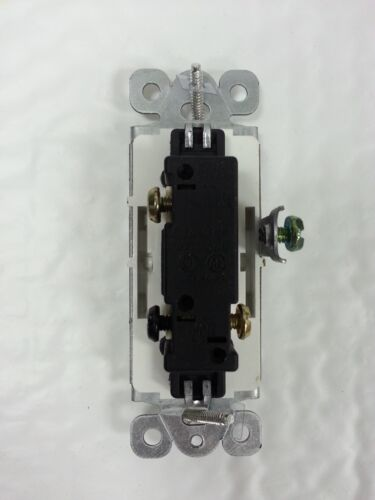LIGHTED 3-Way 15A Decorator Switch 15 Amp Decora Illuminated White 1 pc