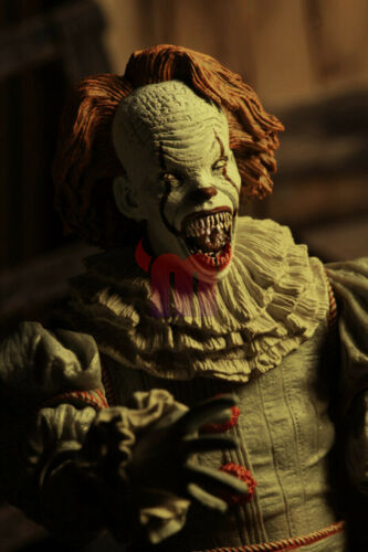 """NECA IT Well House Pennywise Clown 2017 Ultimate 7/"""" Action Figure 1:12 Scale"""