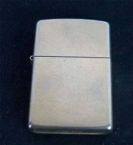 Zippo-Goldtone-Cigarette-Lighter-2010