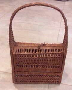 Antique-Vtg-Wicker-Rattan-amp-Nailed-Wood-Handbag-Pocketbook-Purse-Handled-Basket