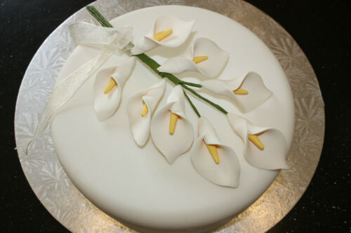Hand Tied Bouquet sugarflowers. cake topper Sugarcraft 8 Ivoire Calla Lilies