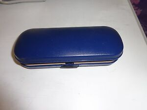blue glasses case very good condition - Ipswich, United Kingdom - blue glasses case very good condition - Ipswich, United Kingdom