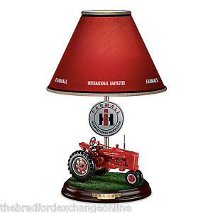 Farmall-Heritage-Table-Lamp-With-Fully-Sculpted-Model-H-Farmall-Tractor-Base