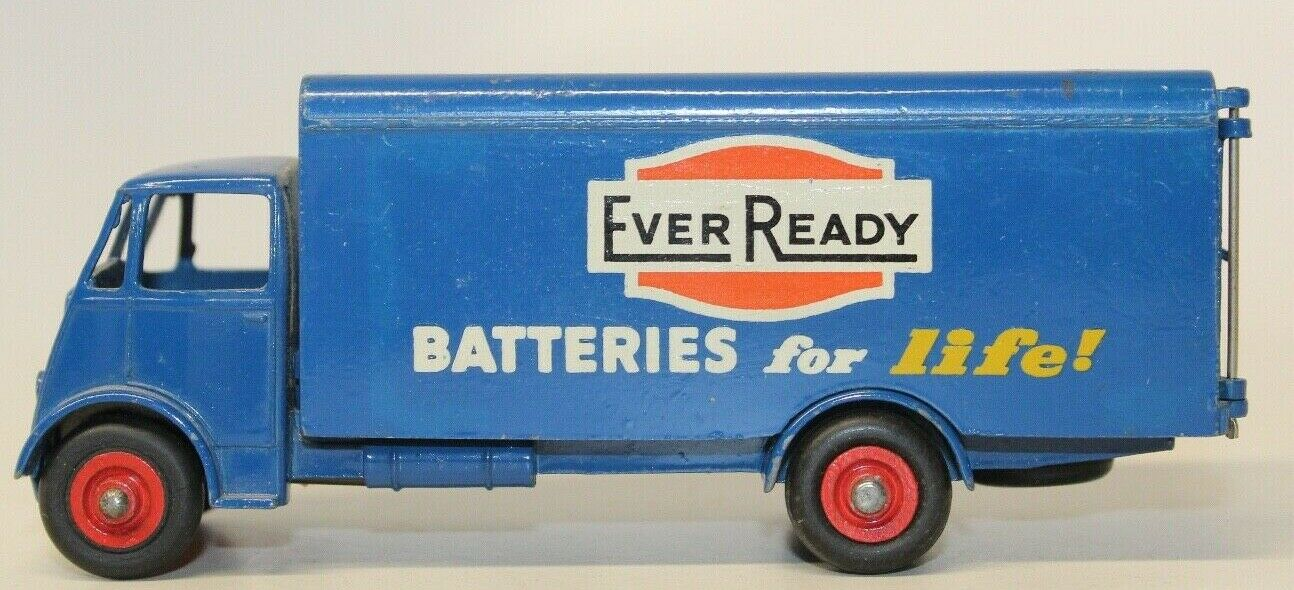 VINTAGE DINKY MECCANO ORIGINAL  EVER READY  BATTERIES BEDFORD LORRY