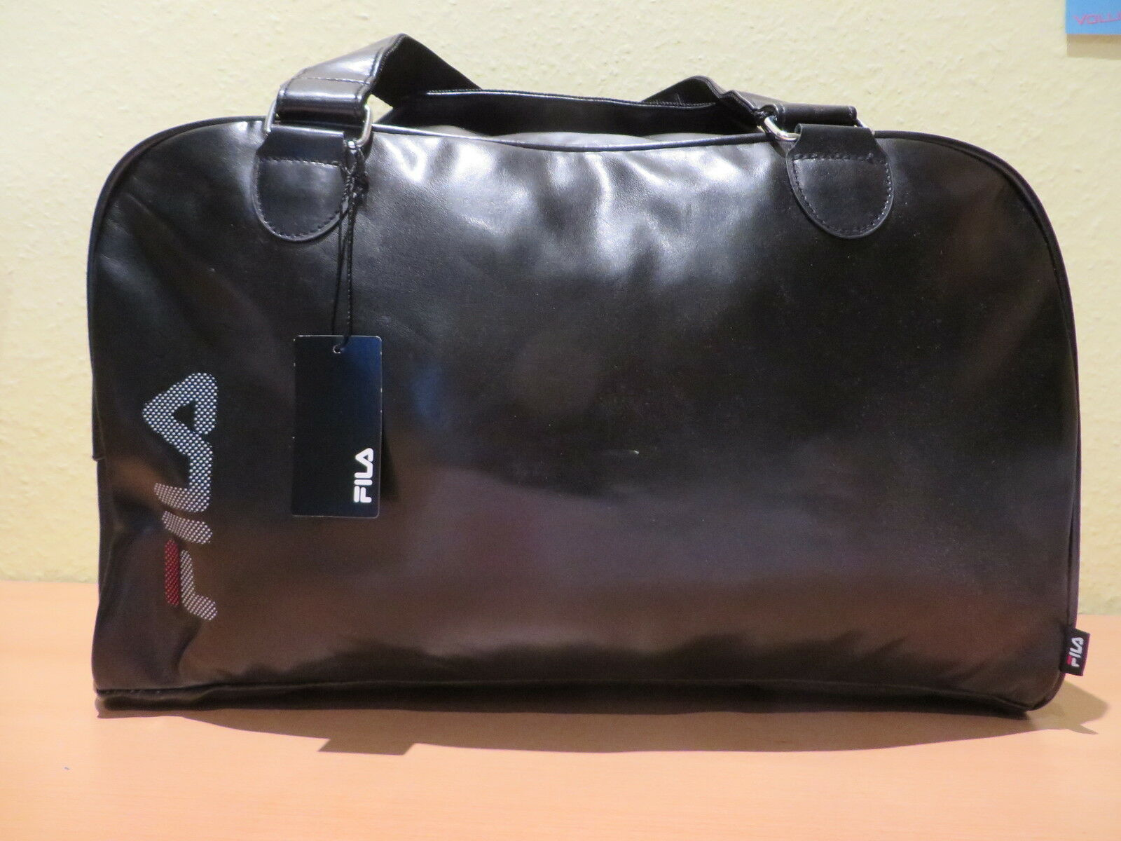 NEU FILA Sporttasche Tasche Reisetasche Messenger Bag Business Edel black NEU