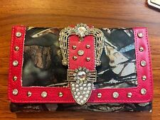 FUCHSIA PINK MOSSY CAMO CROWN BUCKLE RHINESTONE WALLET, TRIFOLD, CHECKBOOK