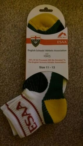 3 pairs of English Schools/' Athletic Association var Sizes Sports Socks ESAA