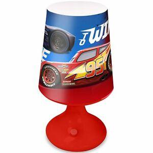 Disney-cars-Lampe-Bureau-Table-Lumiere-LED-Enfants-a-Piles