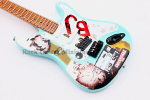 rgm183-Billie-J-Green-Day-miniature-GUITARE