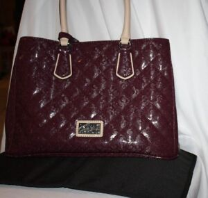 Wunderschne Bordeaux Blᄄᄍhender Satchel Guess farbe Oq4gWBw