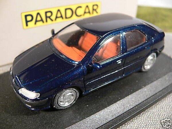 1 43 paradcar 063 Citronen xsara bleu à la main modèle