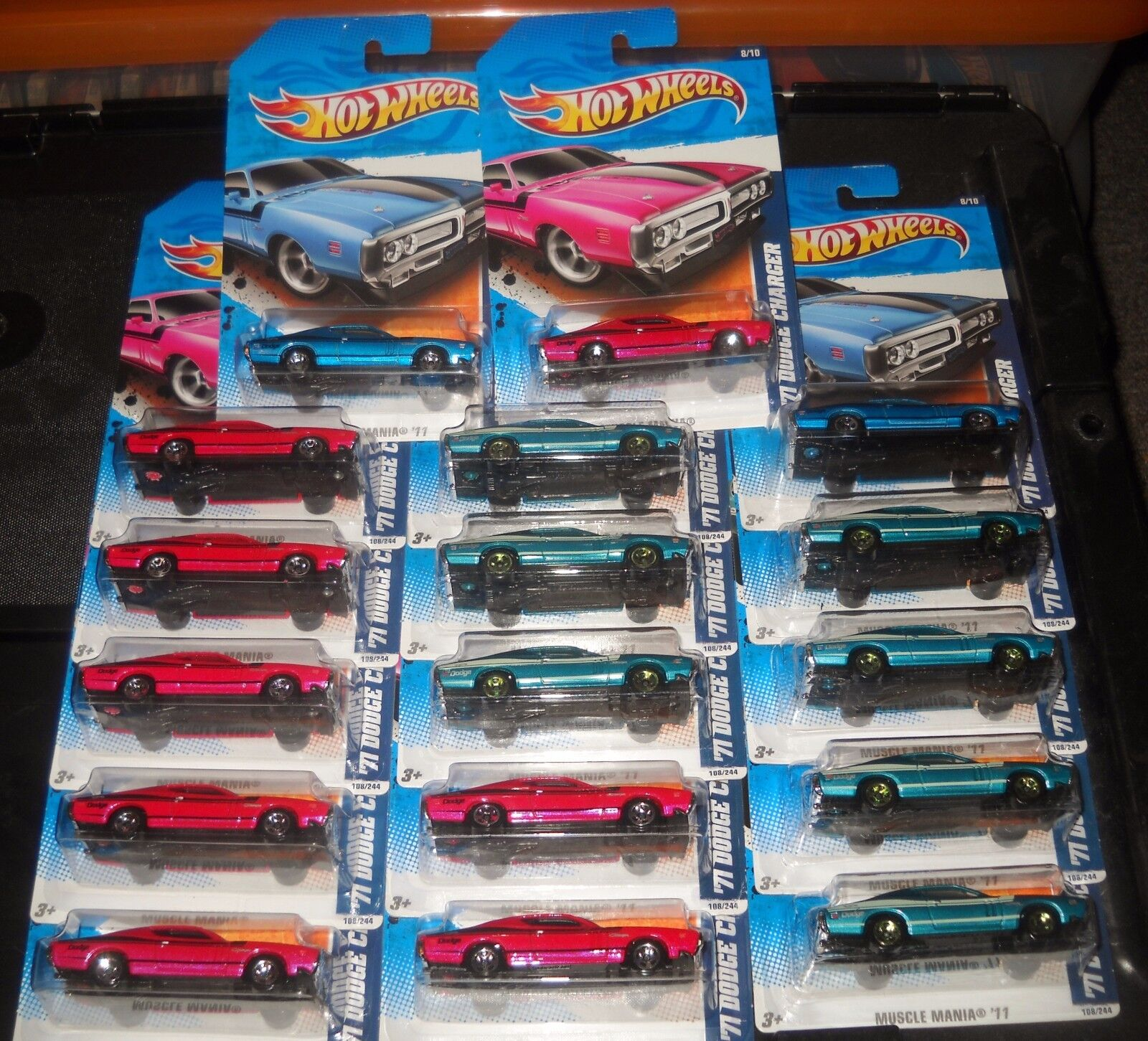 2011 Hot Wheels MUSCLE MANIA  108 ∞ '71 DODGE CHARGER ∞ LOT OF 17 -bleu GRN rose