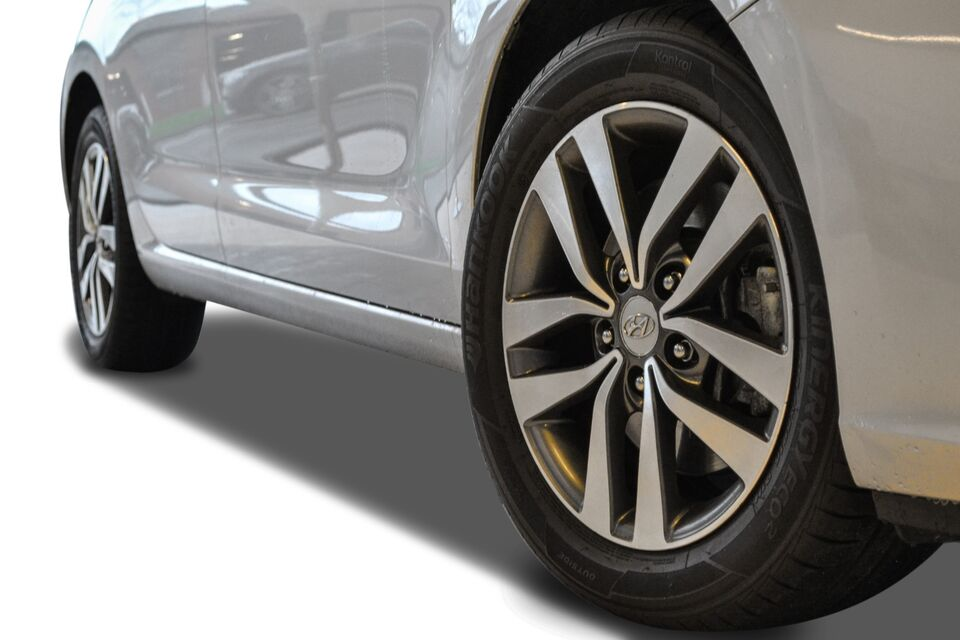 Hyundai i30 1,0 T-GDi Premium Benzin modelår 2017 km 13000