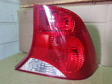 00 01 02 03 04 FORD FOCUS RH OEM FACTORY PASSENGER SIDE TAIL LIGHT ASSEMBLY USED