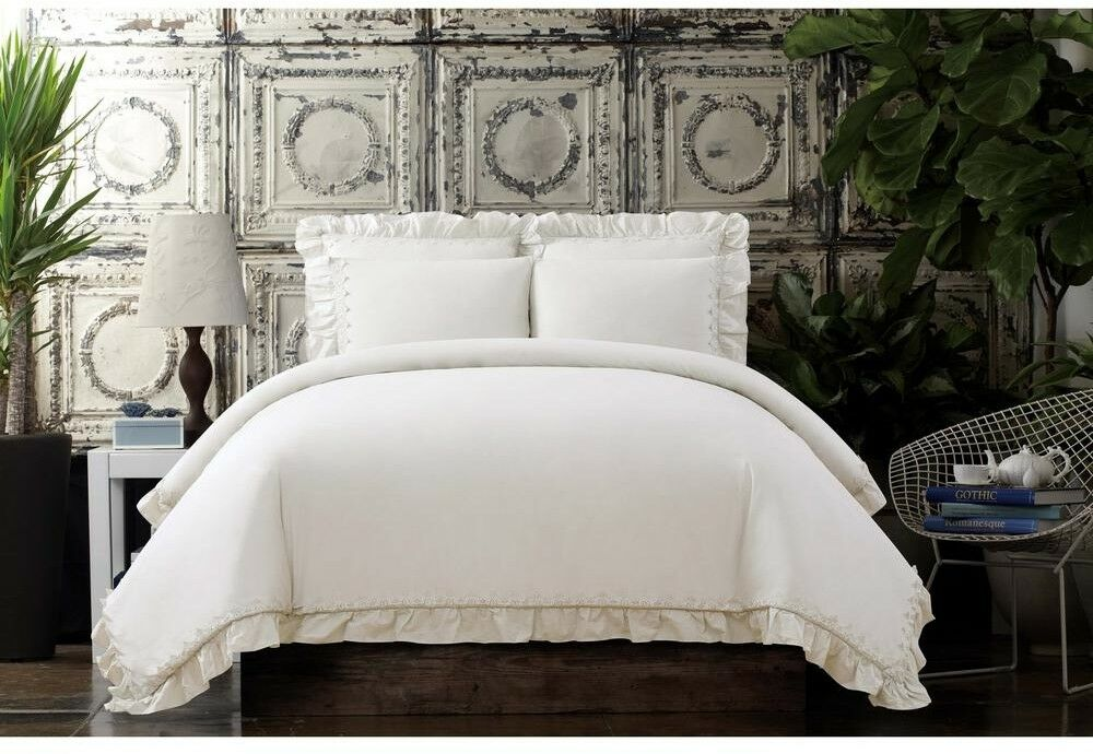 Comforter and Pillow Set Cotton Voile Fabric King Größe with Ruffled Edge, Ivory