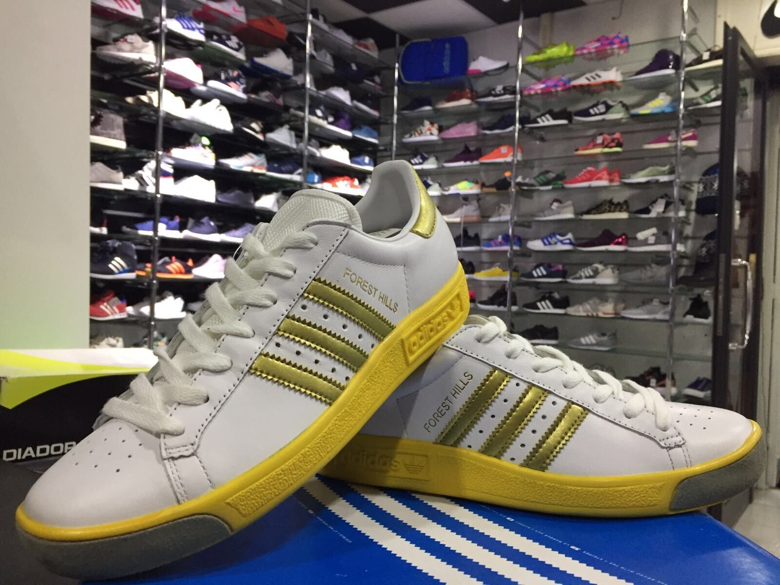 chaussures N. 39 1 3 UK 6 CM 24.5 ADIDAS FOREST HILLS  baskets COL.BIANCO   or