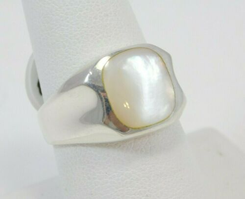 $199 Size 8 or 9 Mother of Pearl and Sterling Silver Ring Signed JC 925 Vintage