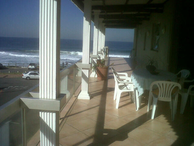 Umdloti- Stunning Seafront apartment in secure complex