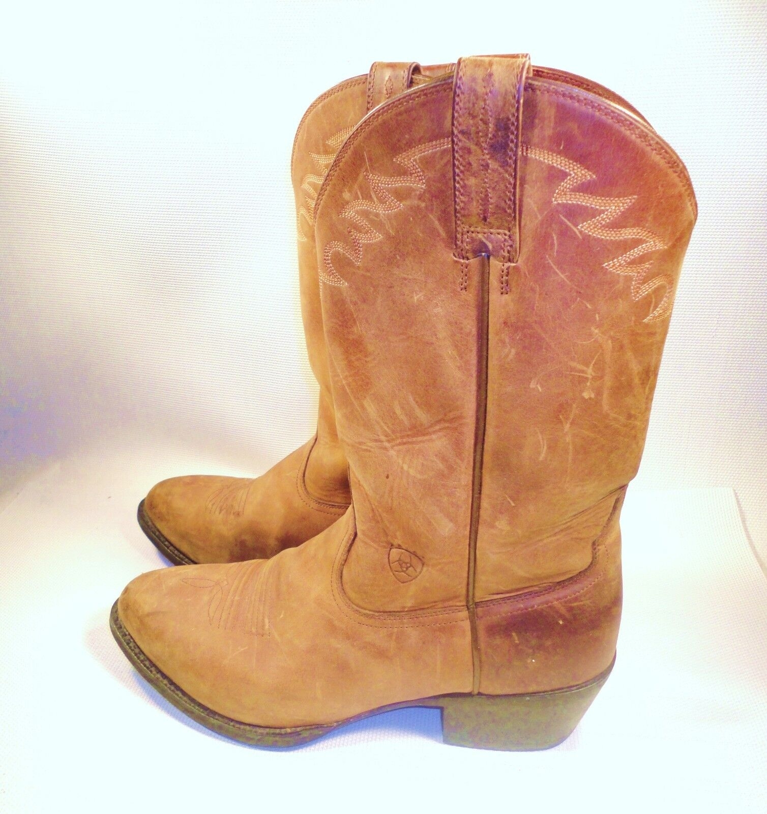 Ariat Sedona  Distressed Western Boot  Size 11 EE