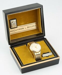 Vintage-Men-039-s-10k-Gold-Filled-Bulova-Accutron-Watch-Movement-214-w-Original-Box