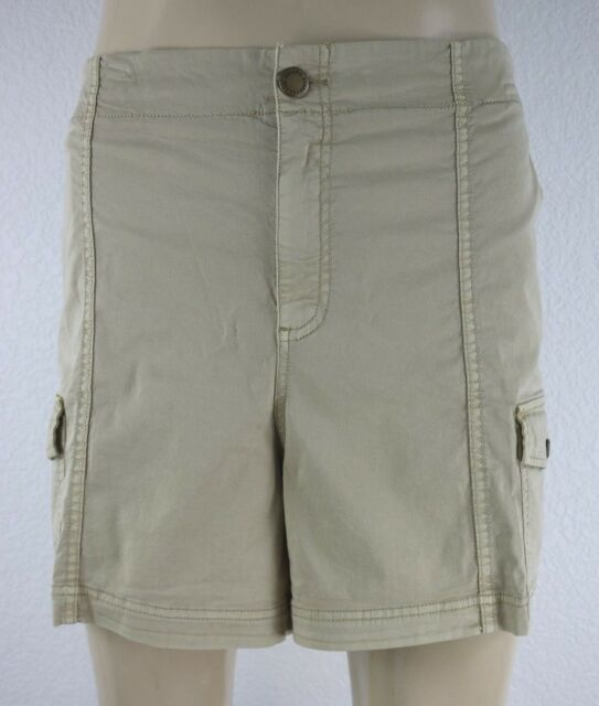 NEW Sonoma Women's Mid Rise Cargo Shorts Size 22W Straight Through Hip & Thigh
