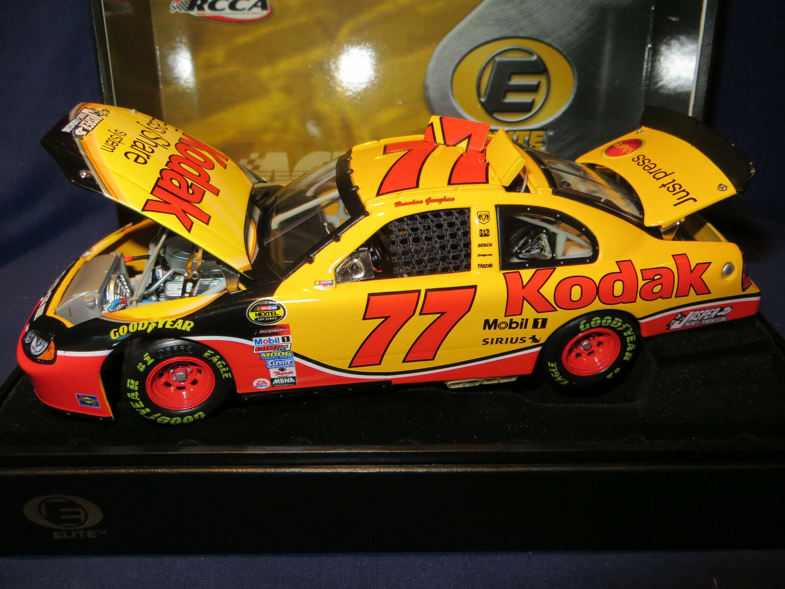 Brendan Gaughan;77 Kodak 2004 Dodge Intrepid 358;128 288 1 24 Azione RCCA Elite