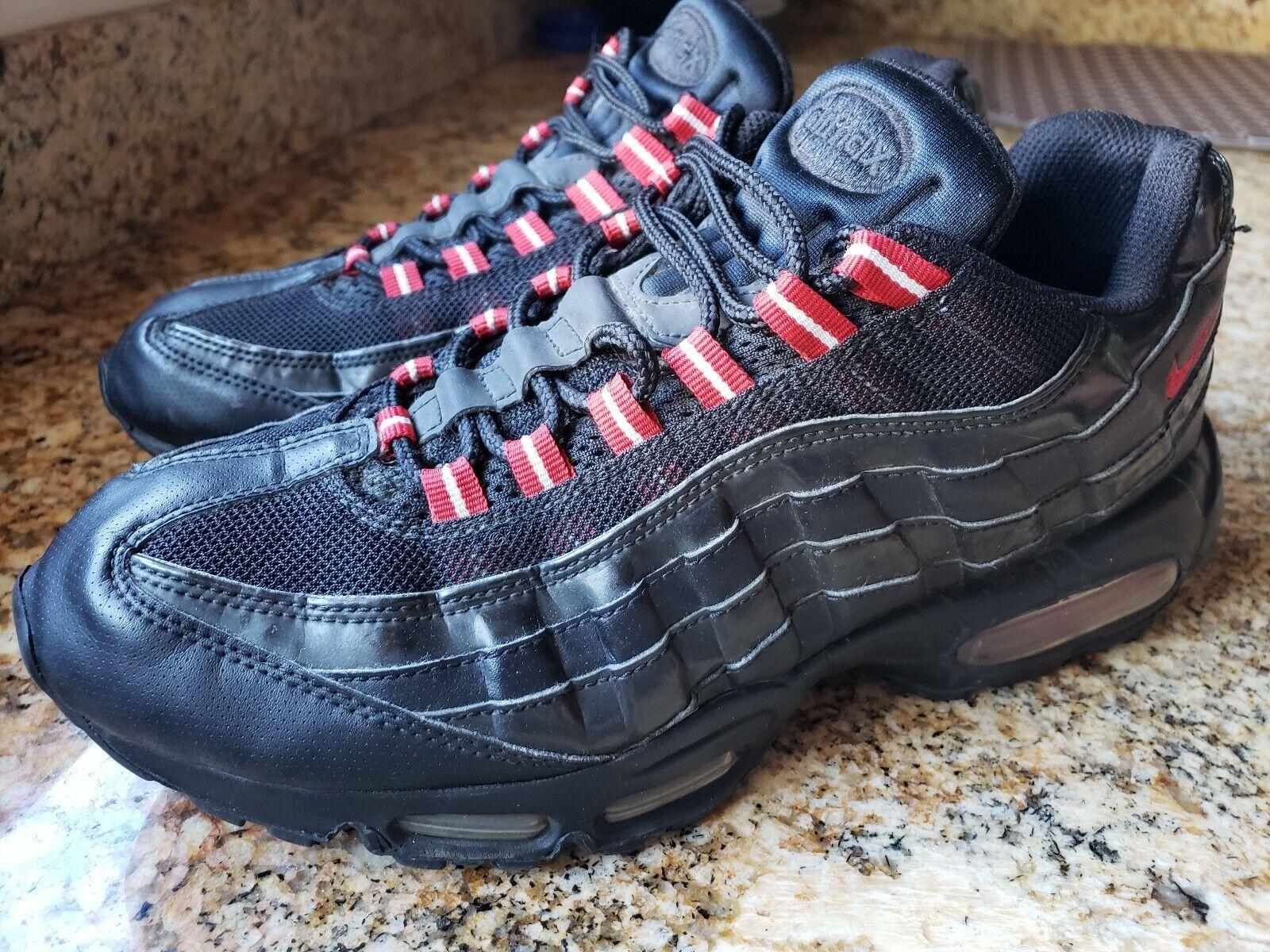 Nike Air Max 95 size 10 Black Varsity Red Sneakers [609048-037]