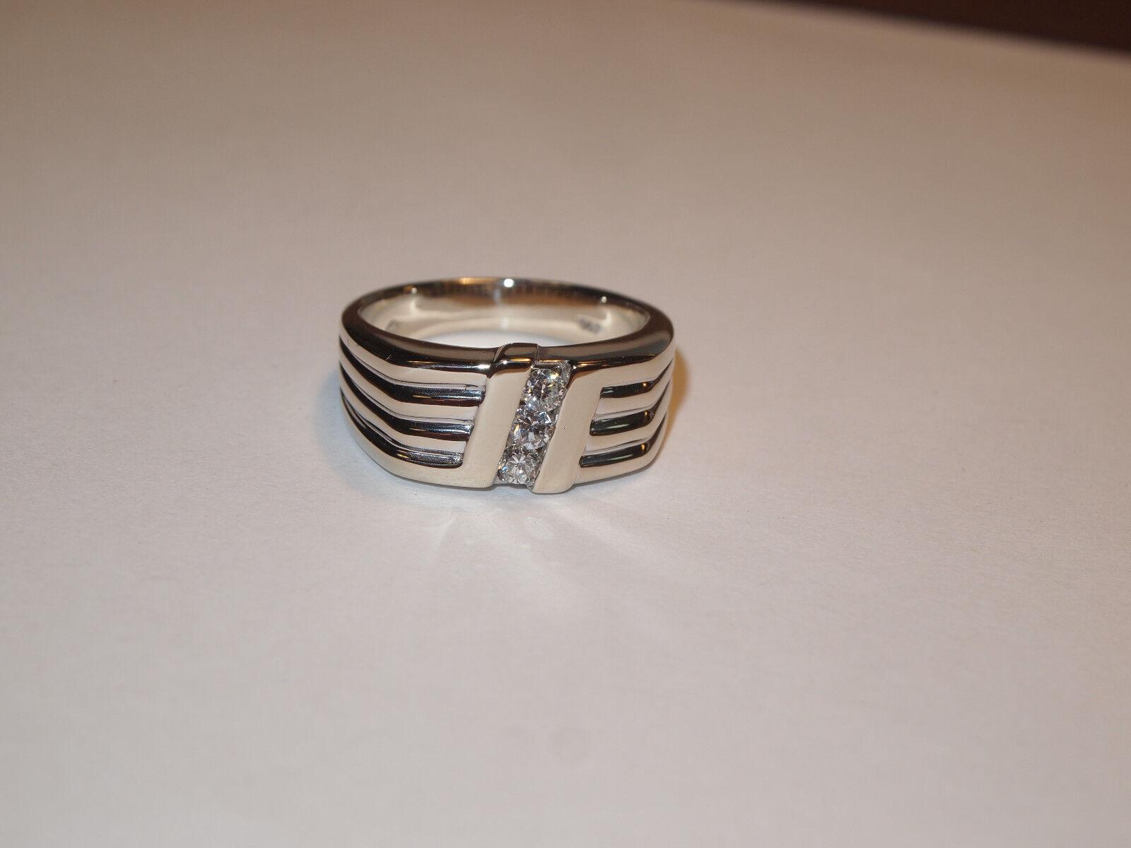 18K White gold Diamond Ring Size 10