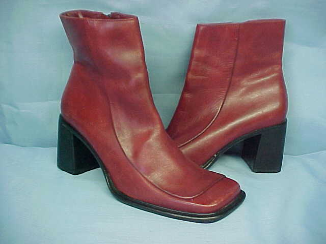 WOMEN'S Red Leather Low Side Zip Boots SAM  LIBBY 6