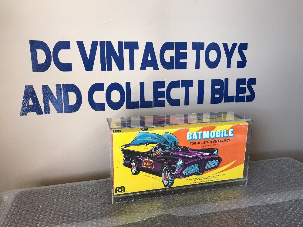 Vintage Mego Batmobile w  Original Box 1974 UNUSED Condition Batman Acrylic Case