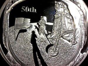 Moneda-conmemorativa-50-aniversario-Apollo-aterrizaje-en-la-luna-bandera-plata