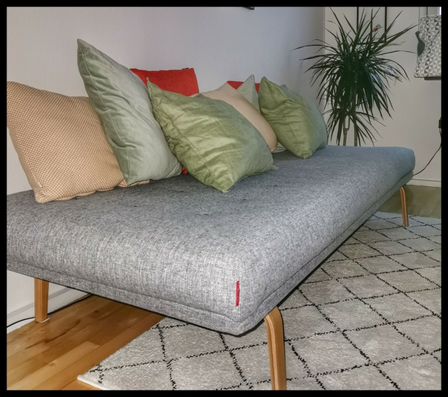Daybed, Innovation, Daybed i grå uld.  Meget…