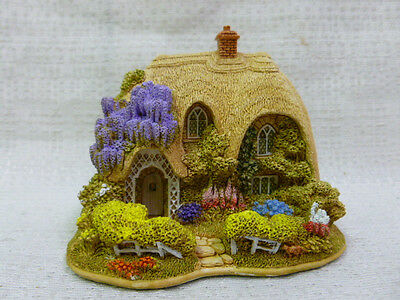 Lilliput Lane Snuggledown 2005 Chocolate Box Cottages Collection L2909