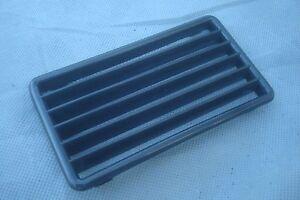 Mercedes 114 115 center console black plastic air vent grill 1968-76