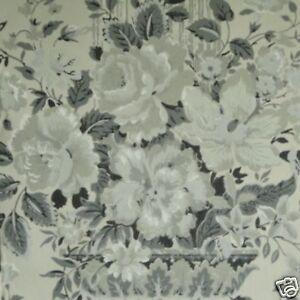 14-sr-Black-White-Floral-Columns-Neoclassical-Handprinted-Waterhouse-Wallpaper