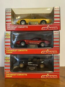 Vintage-Lot-3-Diecast-1-24-Majorette-Corvette-Coupe-And-Roadster-Pace-Car-Mint