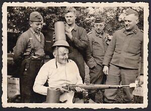 YZ2747-Militari-scherzano-con-moschettone-1930-Foto-d-039-epoca-Vintage-photo