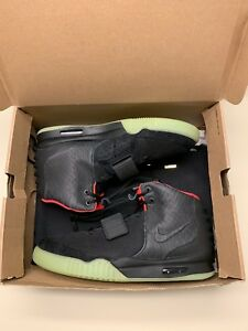 0298d48af3943 Nike Air Yeezy 2 Solar Red sz 13 100% Authentic Kanye West