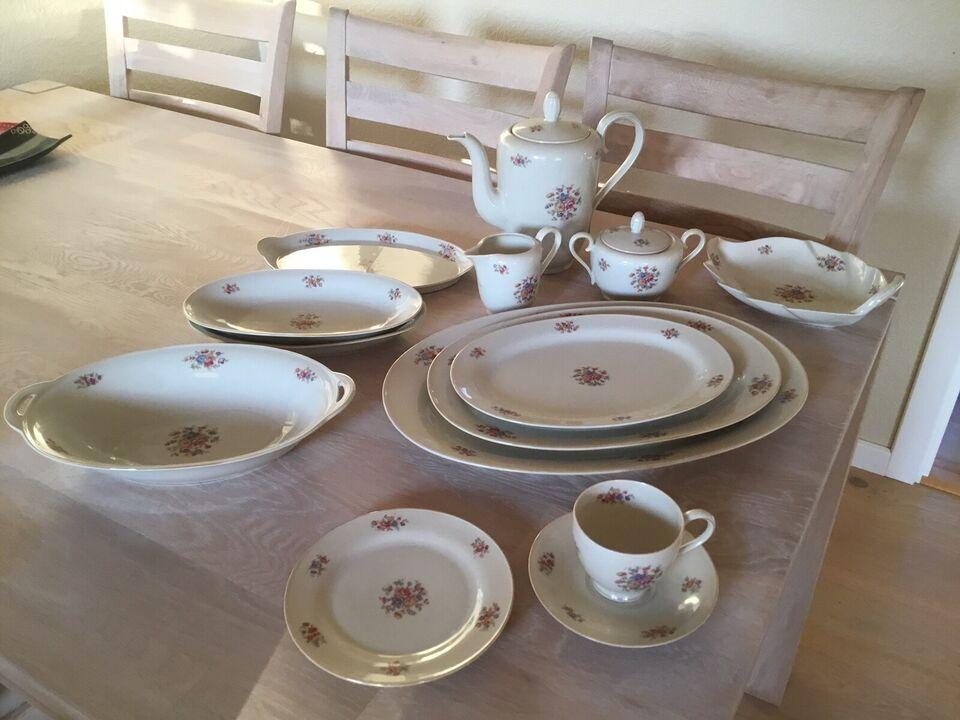 Porcelæn, Kaffestel til 12 personer med en del fade.,