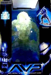 McFarlane Toys Alien vs Predator Movie 12 In Scar Stealth Predator New 2004