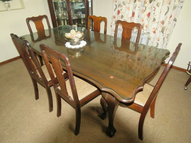 Dining Room Table Imbuia wood with 6  matching chairs and Imbuia Sideboard