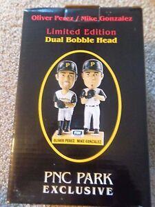 Oliver-Perez-Mike-Gonzalez-Pittsburgh-Pirates-Greats-Bobblehead-NEW-in-Box-SGA