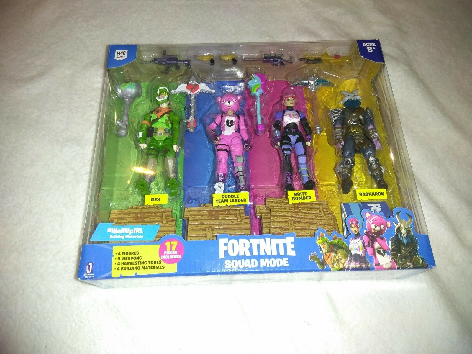 Fortnite Squad Mode 4 Action Figure Pk A Boxed Set Fortnight 17pc by Epic Games
