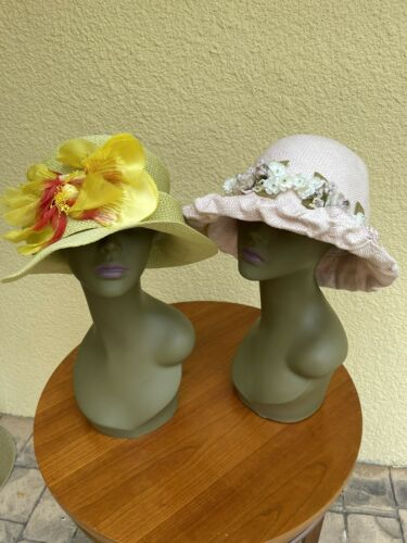 WOMANS VINTAGE HATS LOT OF TWO