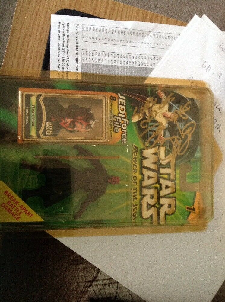Star Wars Power of The Jedi - Darth Maul (Final Duel) Action Figure Signed