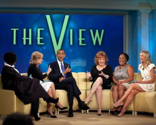 """8X10 PHOTO BARACK OBAMA RECORDS AN EPSIDOE OF THE ABC SHOW /""""THE VIEW/"""" ZY-382"""