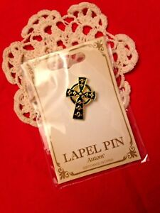 New-034-CELTIC-034-LAPEL-PINS-TWO-NEW-IN-PACKAGES-Green-STUNNING